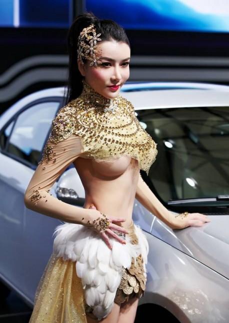 sexy-car-model-china-2