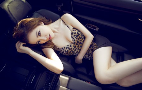 china-redhead-bmw-girl-6
