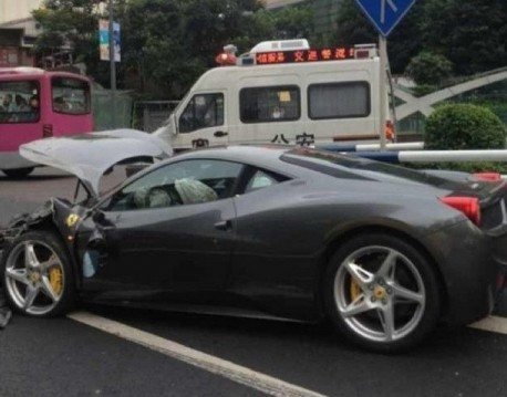 ferrari-crash-china-03-2