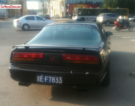 pontiac-firebird-china-4