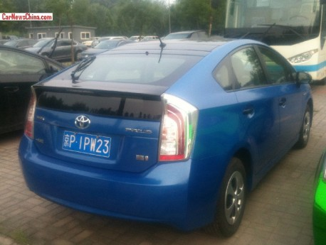 toyota-prius-china-color-7