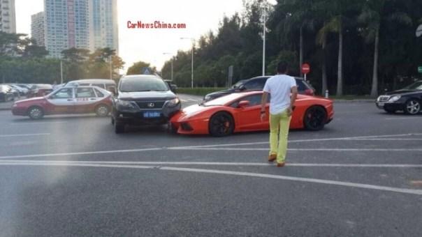 Lamborghini Aventador hits Lexus RX350 in China