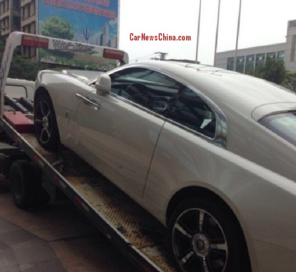First Rolls-Royce Wraith arrives in China, in white