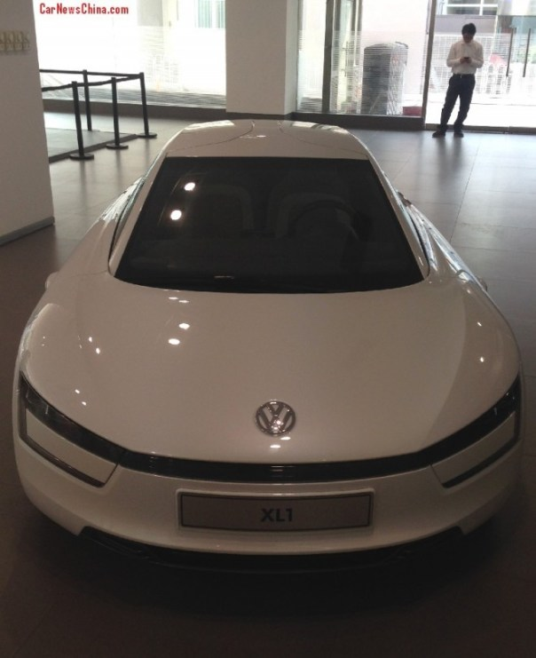 Eye to Eye with the Volkswagen XL1 in China