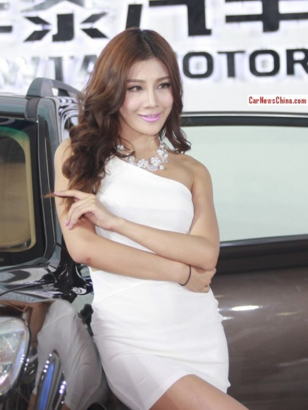 china-car-girls-4