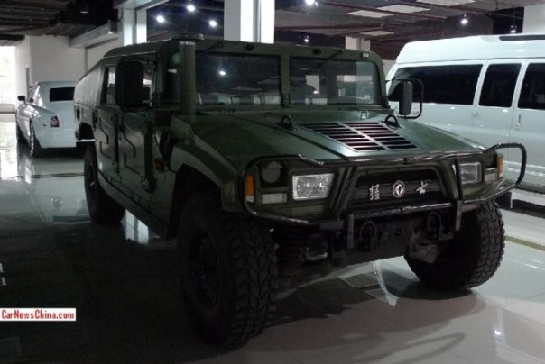Meeting the badass Dongfeng EQ2050 'Hummer' in China