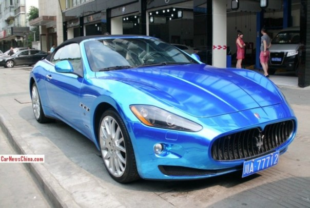Maserati GranCabrio is shiny blue in China