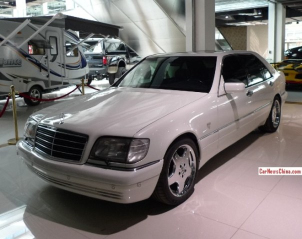 Spotted in China: W140 Mercedes-Benz S-Class with AMG body kit