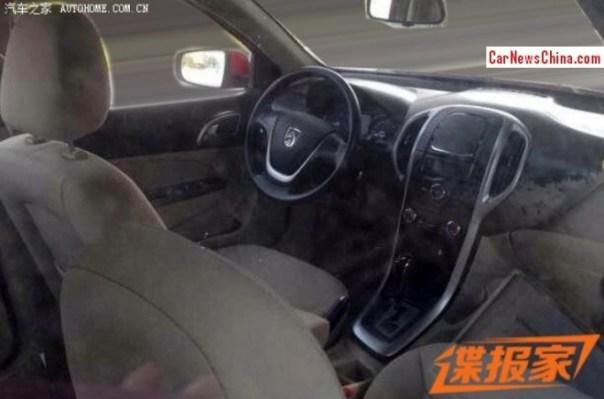 wuling-baojun-hatchback-2