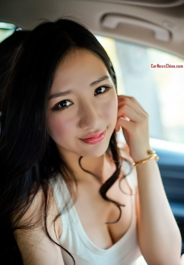 china-girl-bmw-320-5