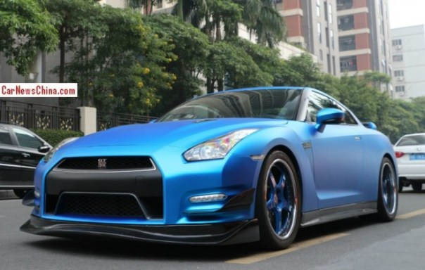 Nissan GT-R is matte blue in China