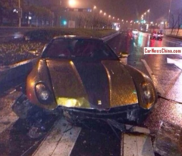 Ferrari 599 GTB Fiorano crashes Hard in China