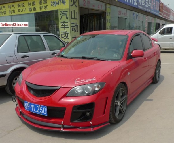 Mazda 3 sedan has a body kit in China