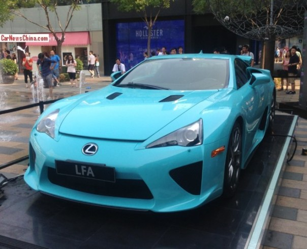 Lexus LFA is looking Blue in China