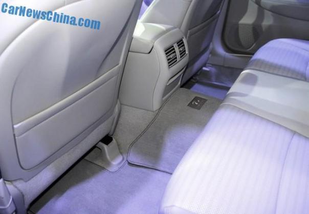 infiniti-q50l-china-debut-3