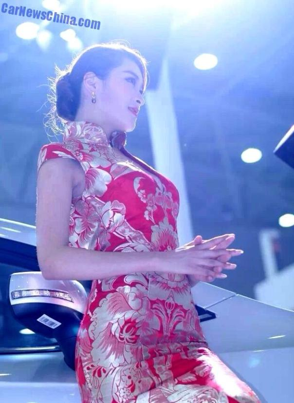 china-car-girls-wuhan-9