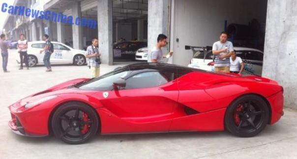 ferrari-laferrari-china-chengdu-4