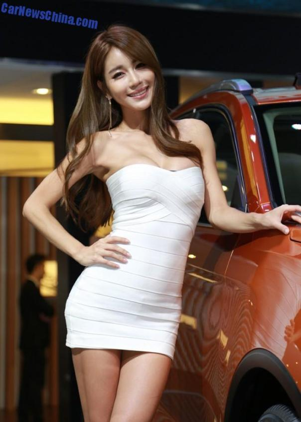 china-car-girls-gz-2-beijing-auto-2
