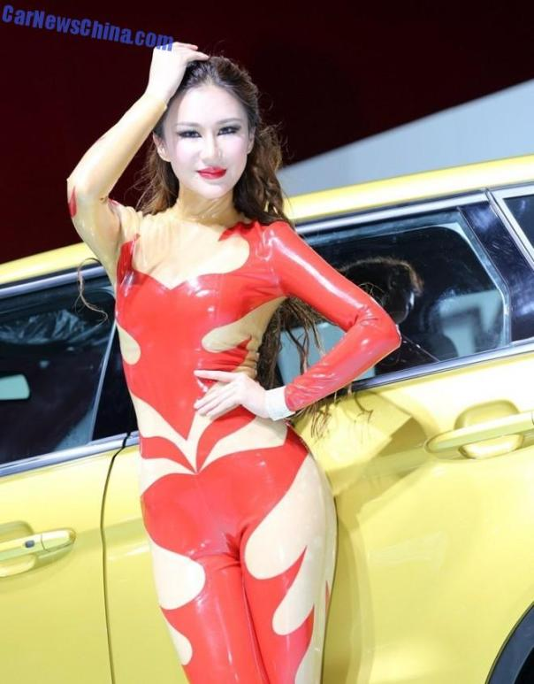 china-car-girls-gz-2-beijing-z-landwind-1
