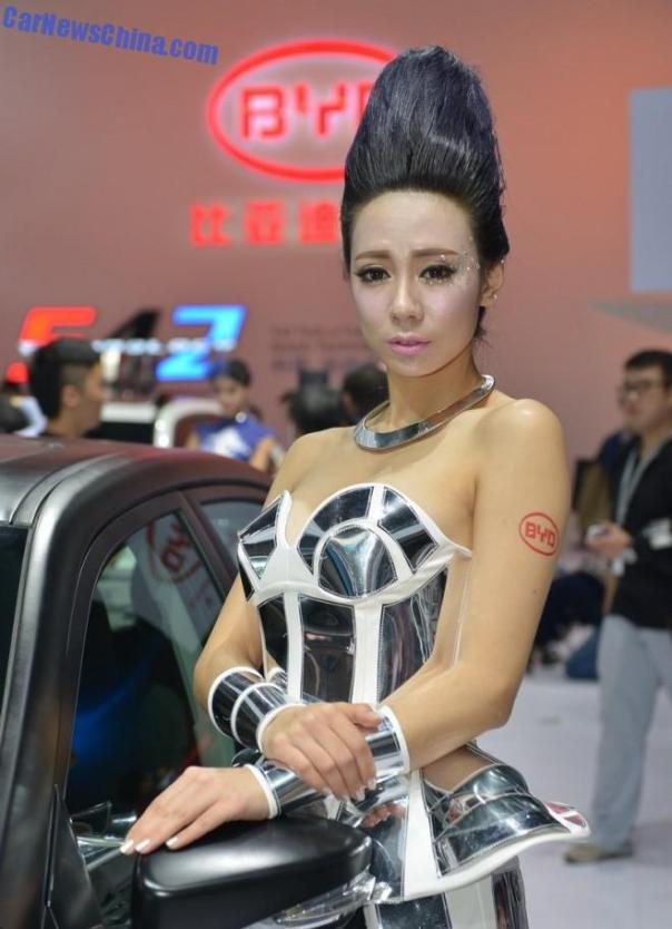china-car-girls-gz-byd-1