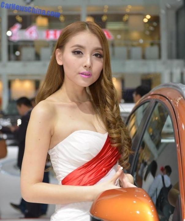 china-car-girls-gz-toyota-1