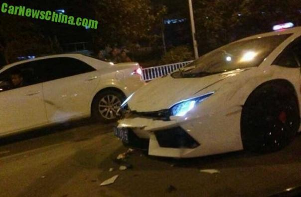lamborghini-crash-china-1-9f
