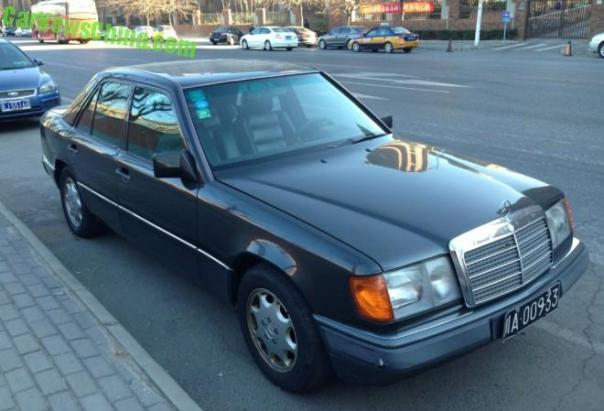 Spotted in China: W124 Mercedes-Benz 280E in Black