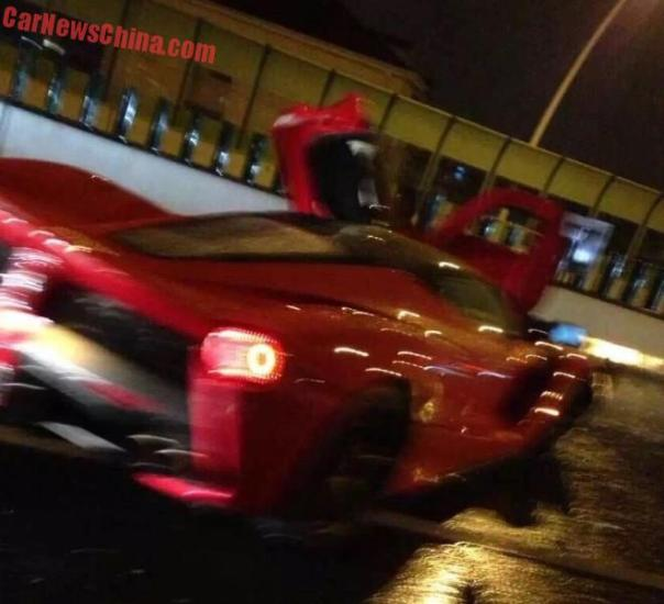ferrari-laferrari-crash-china-7