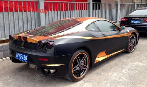 ferrari-f430-black-gold-china-3