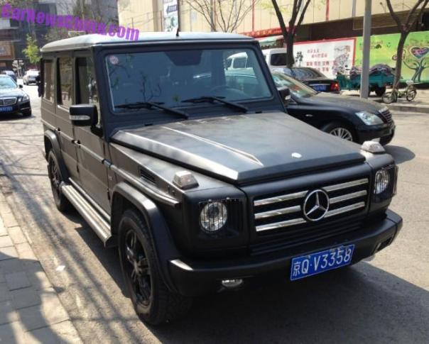 Mercedes-Benz G500 is a matte black SUV in China