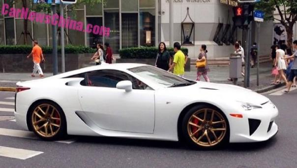 lexus-lfa-china-white-5