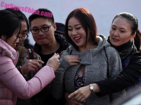 china-car-girl-jiangsu-7a