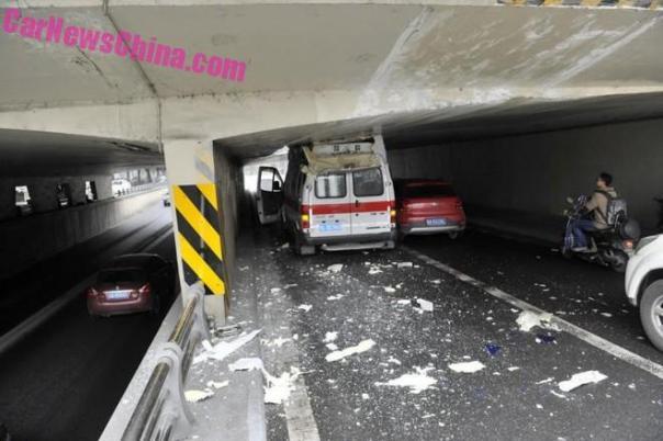 ambulance-china-bridge-3