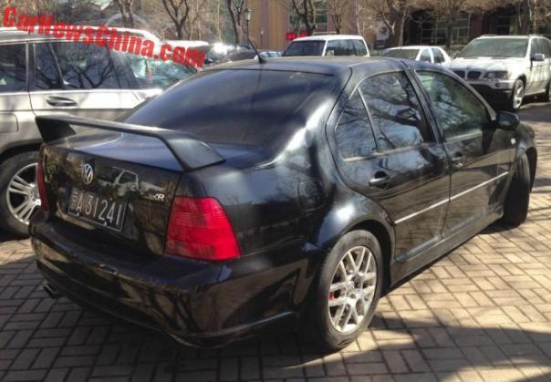 volkswagen-bora-r-china-black-5