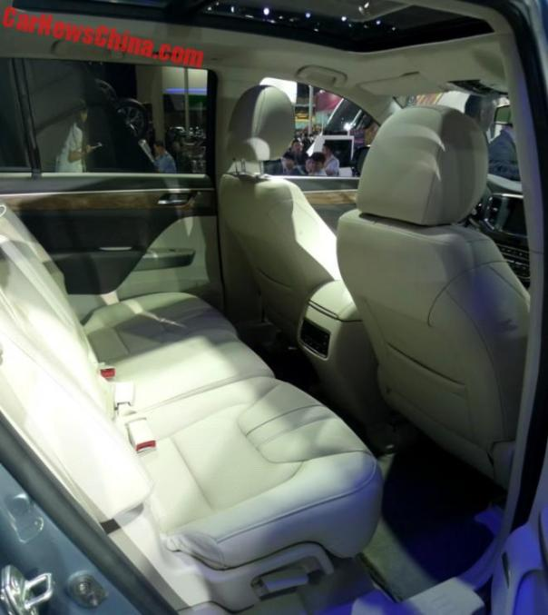 gz-trumpchi-gs8-china-4