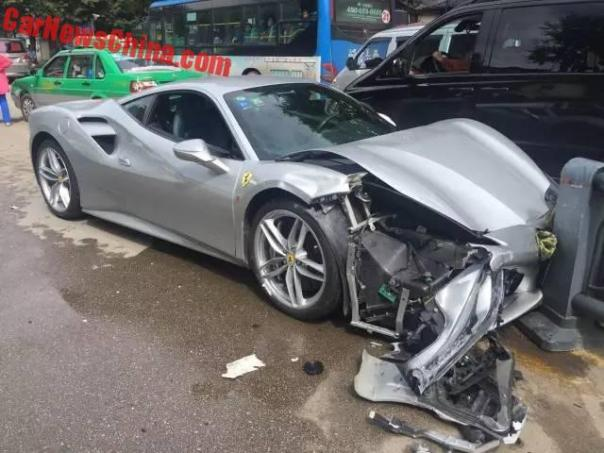 ferrari-488-crash-5
