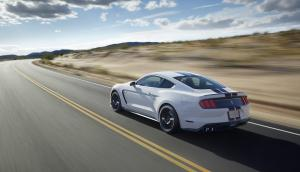 Ford Shelby GT350 Mustang 03