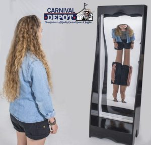 6' Freestanding Funhouse Mirror