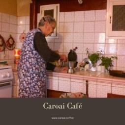 La greca italiana, aquí vemos a una señora preparando café.
