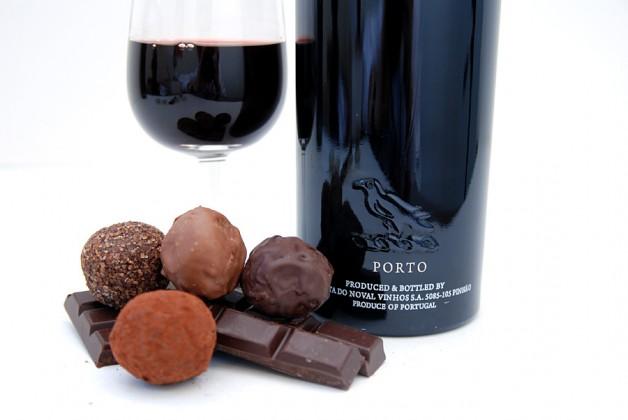 10Vinho-do-Porto-Ideal-para-Harmonizar-Chocolates-e-Sobremesas