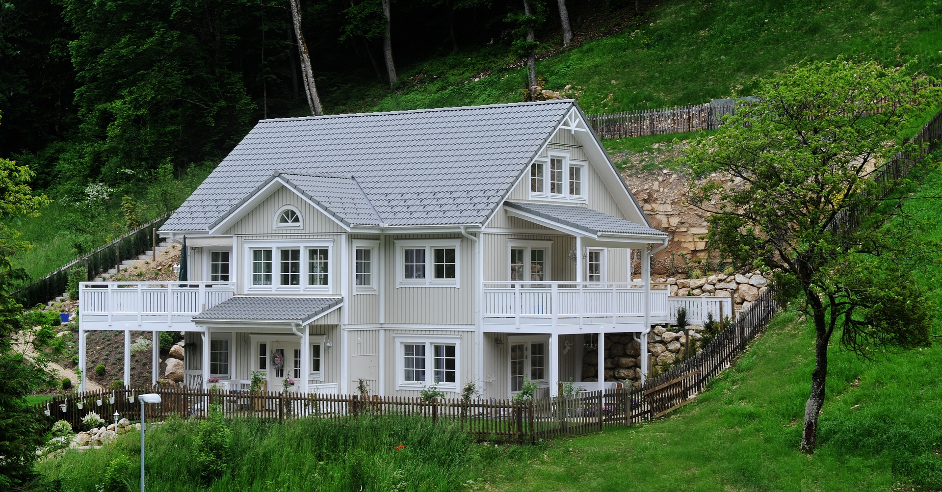 A picture of a lovely home
