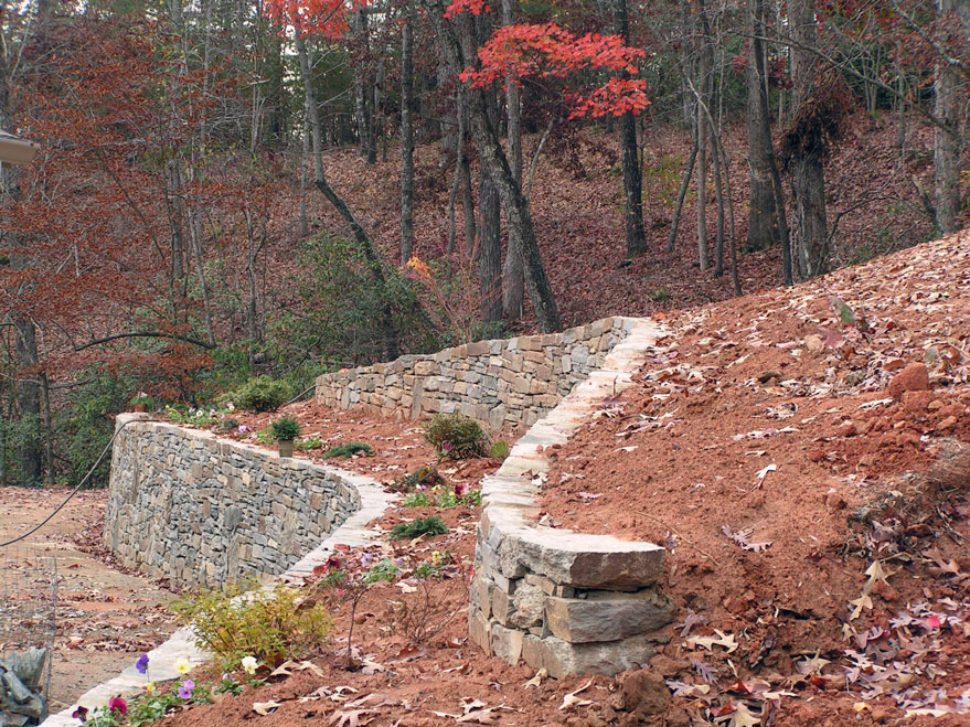 Stacked-Stone--Retaining--Wall-1