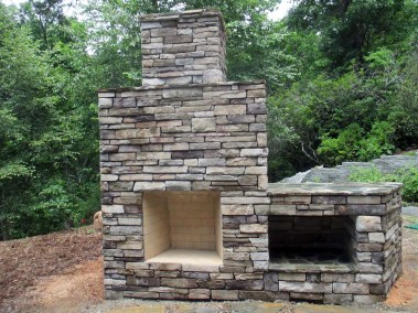 Stone-Outdoor-Fireplace-2015