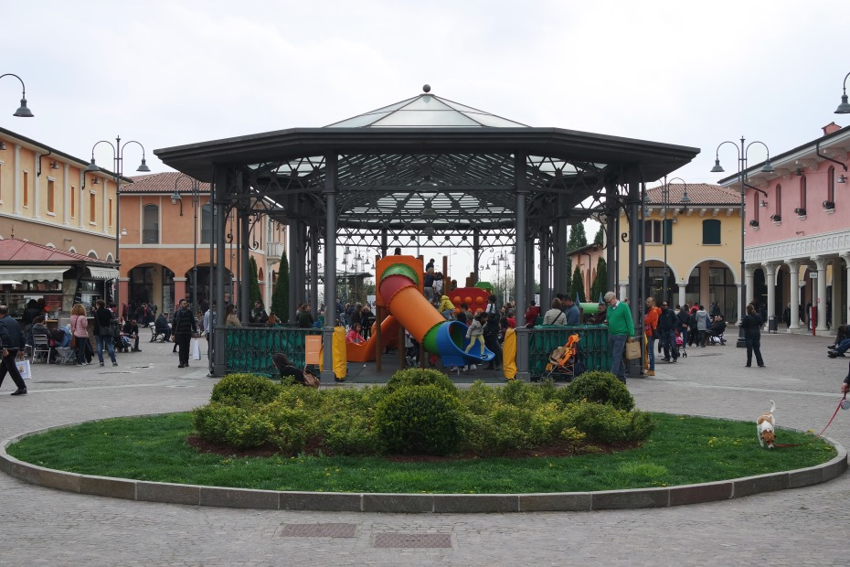Mantova Outlet Village 2016 - 2 - Carolina Milani