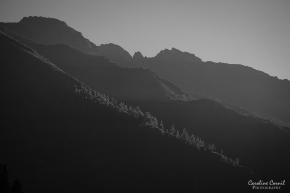 Peru Ollantaytambo sunrise on valley