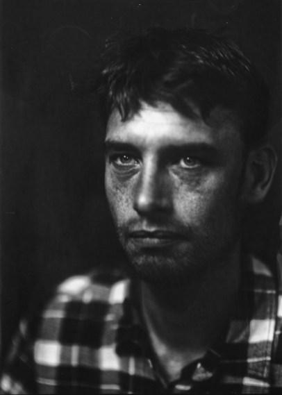 Tim, portret gemaakt op Noorderzon 2019. [Houten platencamera, direct positive paper]