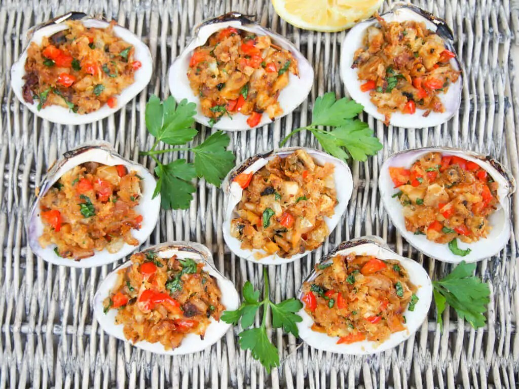 New England style stuffed clams