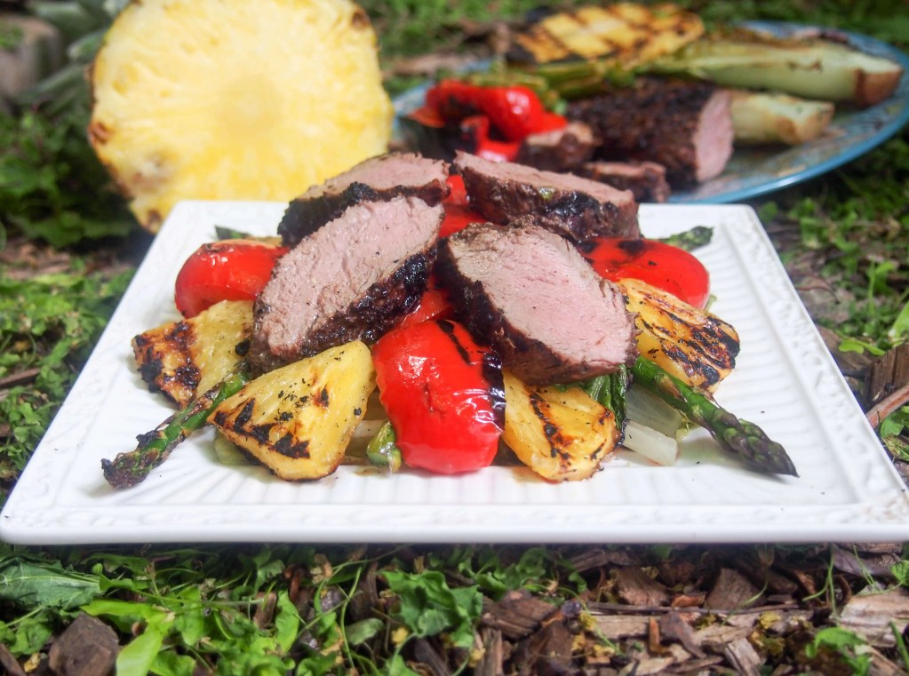Grilled pork and pineapple salad #SundaySupper