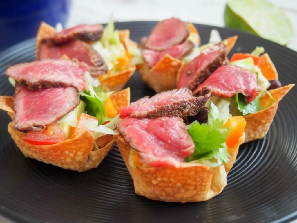 Steak taco salad wonton cups #SundaySupper