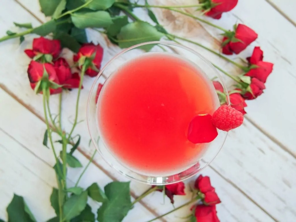 """The blushing rose"" – a vermouth cocktail"